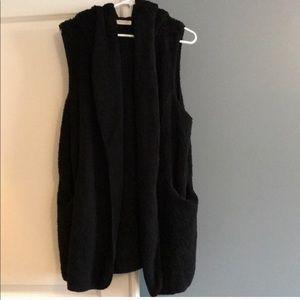 Vestique Black Hooded Super Soft Vest